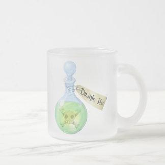 Trinken Sie mich (Gift) Matte Glastasse