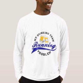 Trinkendes Team hat laufenden Problem Sport-Tek LS T-Shirt
