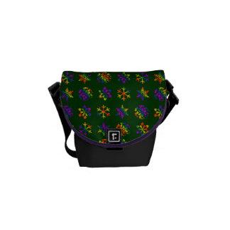 Trippy Schneeflocken Kurier Taschen