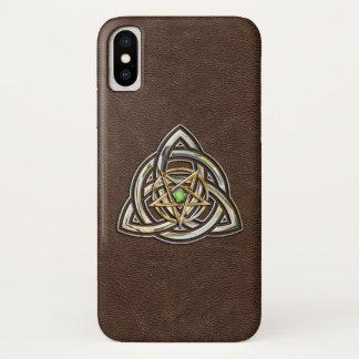 Triquetra Pentagram auf Brown iPhone X Hülle