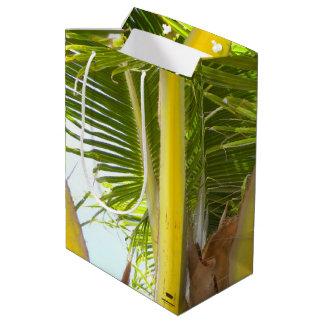 Tropische Palme und blauer Himmel Mittlere Geschenktüte