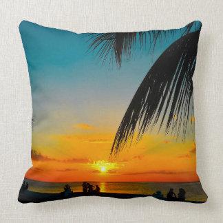 Tropische Strand-Palmen buntes SUNSET~Throw Kissen