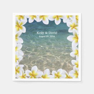 Tropischer Plumeria-Blumenrahmen-Strand Papierserviette