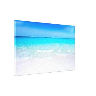 Tropischer Strand mit einem Türkis-Meer Leinwanddruck