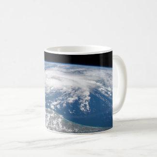 Tropischer Sturm Bill vom Int. Raumstation Tasse