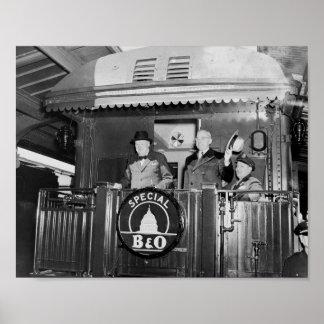 Truman und Churchill unterstützen an von einem Zug Poster