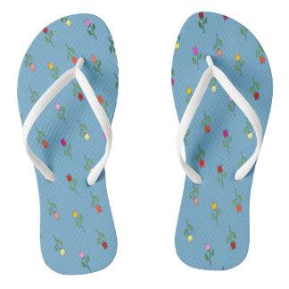 Tulpe-Blumen-buntes Muster-Angebot-leichtes Blau Flip Flops