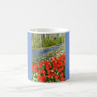 Tulpen im Waldland Kaffeetasse