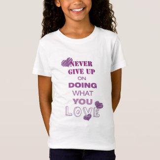 Tun Sie, was Sie motivierend Texttypographie der T-Shirt
