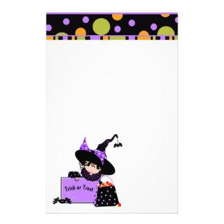 Tupfen-Halloweenhexe und -süßigkeit Briefpapier