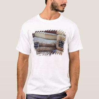 typische Käse von Pyrenäen T-Shirt