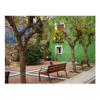 Typischer Platz in einem spanischen Volk Postkarte
