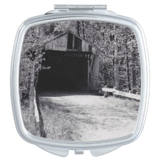 Überdachte Brücke Taschenspiegel