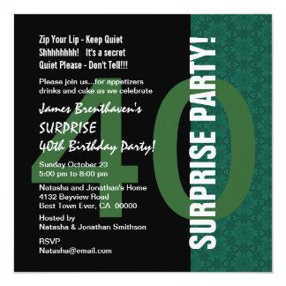 ÜBERRASCHEN Sie 40. Geburtstags-modernes grünes Quadratische 13,3 Cm Einladungskarte