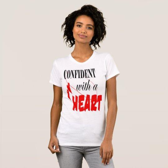 überzeugt mit einem Herzen T-Shirt
