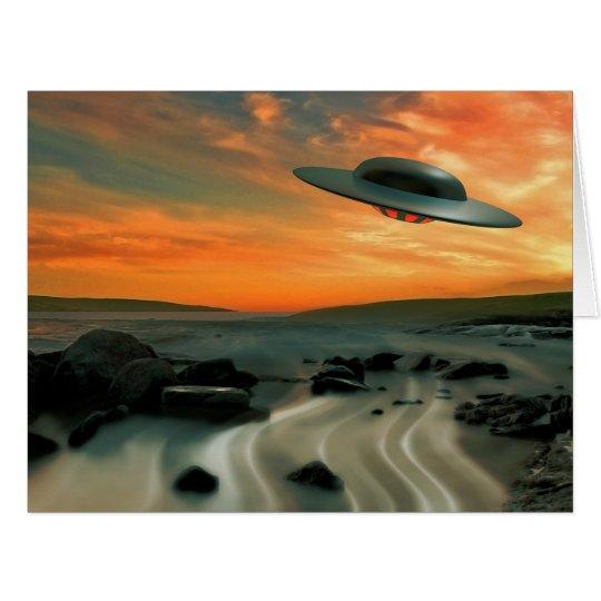 UFO über Küste Riesige Grußkarte