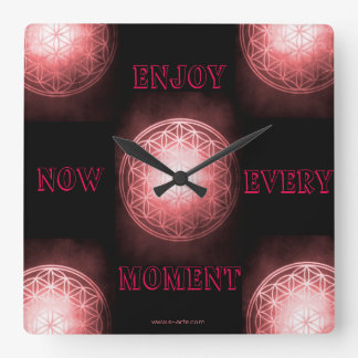 """Uhr """"Enjoy every moment now"""""""