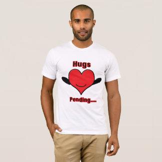 Umarmungen schwebend T-Shirt