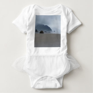 Umarmungs-Punkt-Oregon-Küste an einem nebelhaften Baby Strampler