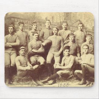 UMass Fußball 1888 Mousepad