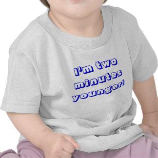 Un plus jeune jumeau de garçon… je suis deux minut t-shirt