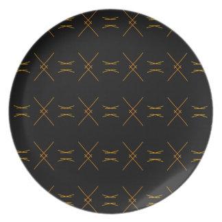 Unbedeutende Schwarz-und Goldlinie Muster Teller