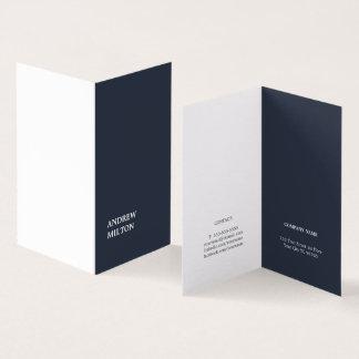 Unbedeutender einfacher eleganter blauer weißer visitenkarten