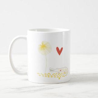 Unbedeutendes Krokodil mit Herzen und gelber Blume Kaffeetasse