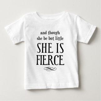 Und obwohl sie aber wenig ist, ist sie heftig! baby t-shirt