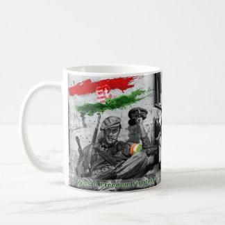 Ungarischer Freiheits-Kämpfer 1956% pipe% Kaffeetasse