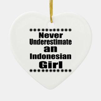 Unterschätzen Sie nie ein indonesisches Mädchen Keramik Herz-Ornament