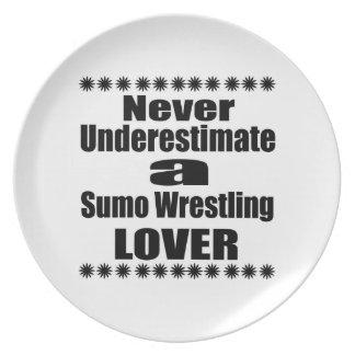 Unterschätzen Sie nie Sumo-Wrestling-Liebhaber Melaminteller
