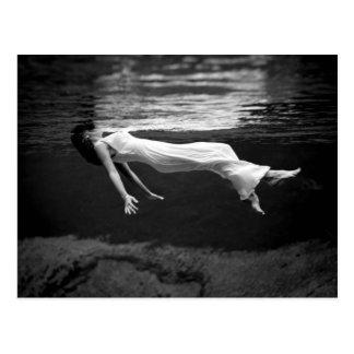 Unterwassermode-Fotografie Postkarte