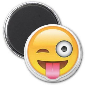 Unverschämter smiley emoji Wink Runder Magnet 5,7 Cm