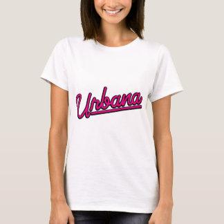 Urbana in der Magenta T-Shirt