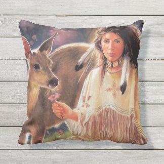 Ureinwohner-Frau Kissen Für Draußen