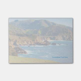 USA, Kalifornien. Panorama von großem Sur mit Post-it Klebezettel