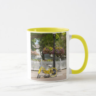 USA, Michigan, Mackinac Insel. Gelbes Fahrrad Tasse