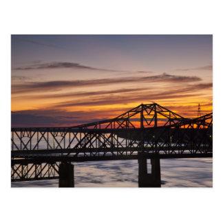USA, Mississippi, Vicksburg. Landstraße I-20 und Postkarte