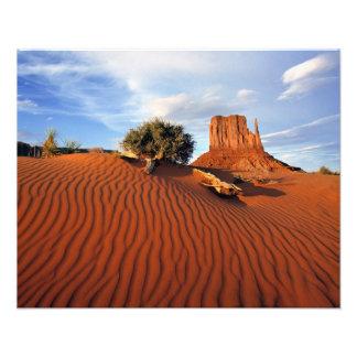 USA, Utah, Monument-Tal. Wind schafft Kunstphoto