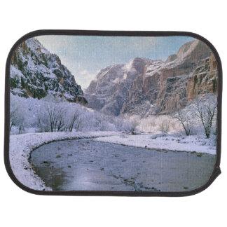 USA, Utah, Zion NP. Neue Schneedecke die Schlucht Autofußmatte