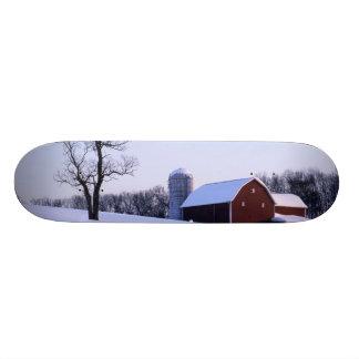 USA, Virginia, Shenandoah Valley, Scheune Personalisiertes Skatedeck