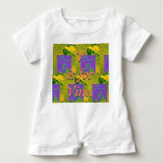 V ist für Rebe-Spielanzug Baby Strampler