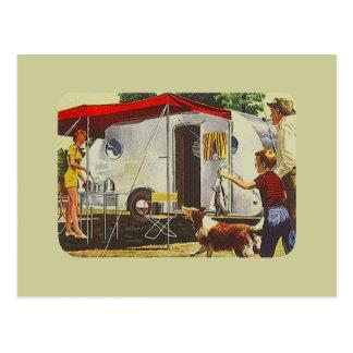 Vacances en camping vintages de remorque de voyage cartes postales