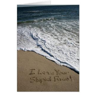 Valentinstag-Karte geschrieben auf den Strand Grußkarte