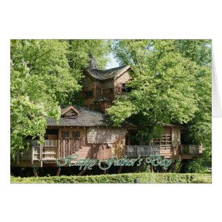 Vatertagskarte mit feenhaftem Baumhaus