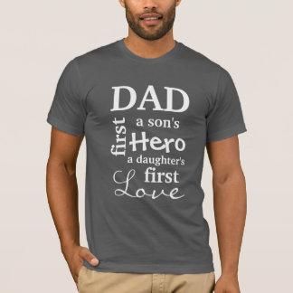 Vati erstes eines Sohns Held die erste Liebe einer T-Shirt