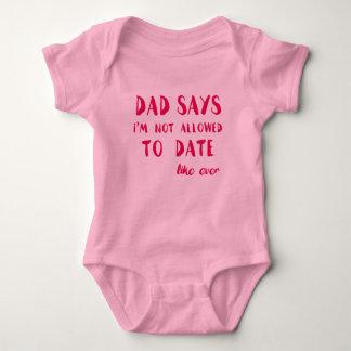 Vati sagt, dass ich nicht bis jetzt zugegeben baby strampler