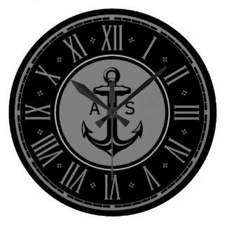 Verankern Sie mit Initialen   Seegeschenken Große Wanduhr