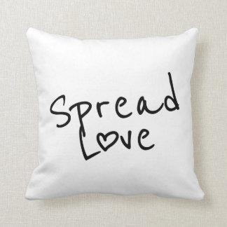 Verbreiten Sie Liebe Kissen